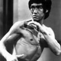 bruce lee in fighting stance