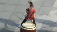 kids taiko drumming